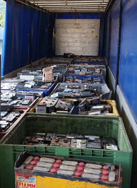 Polizia Provinciale Sequesto Carico Batterie Esauste Agosto 2021